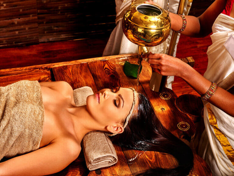 ayurveda shirodhara massage